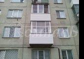 П-образный балкон, алюминиевое остекление с сайдингом