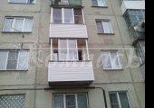 П-образный балкон с 50-ти % открыванием при трёх створках