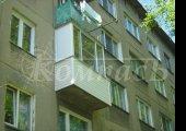 Алюминиевое остекление, П-образный балкон с асимметричными размерами створок