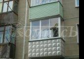 Остекление балкона с обшивкой евровагонкой.